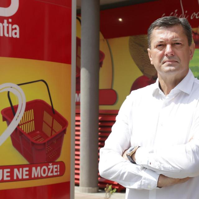 Mate Tomić Decentia