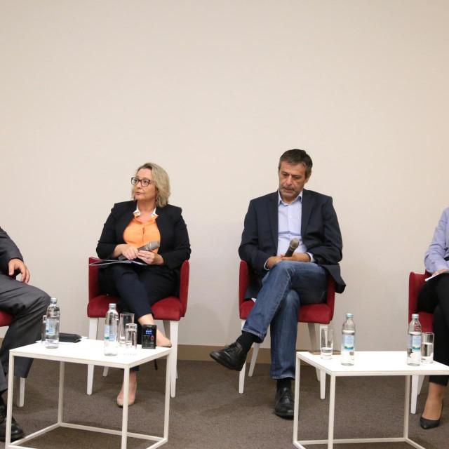 OKRUGLI STOL POREZNE POLITIKE - MOST,<br /> Mislav Kraljević, Andrea Doko Jelušić, Davor Huić,Marina Budimir